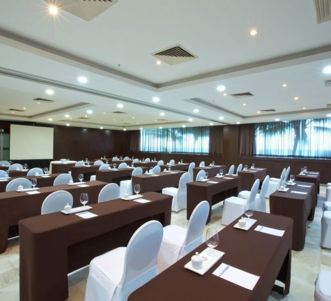 krystal-grand-punta-cancun-meeting-room-arena-and-brisa-1