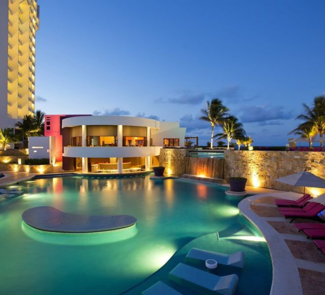 krystal-grand-punta-cancun-piscina-bar-1
